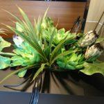 マンションモデルルームへ観葉植物と造花を